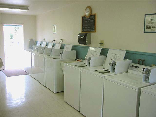 Leisure Valley RV Laundry Room